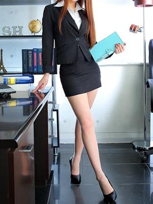 社長秘書 KOBE HEAD OFFICE 杉浦 華