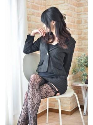 M・ing(エム・イング) 聡美(さとみ)27歳