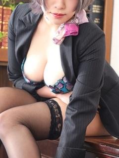 秘書の品格 クラブアッシュ ヴァリエ ファッションヘルス 日本橋・千日前 ルル秘書