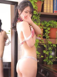 ニイナ秘書「秘書の品格 クラブアッシュ ヴァリエ」