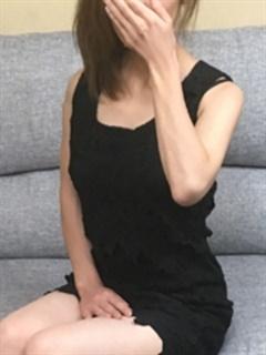 矢島 りょう「未熟な人妻」